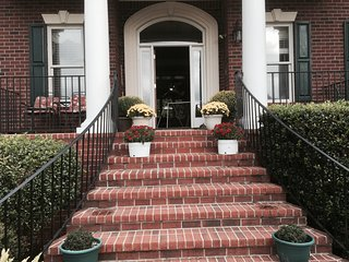 6 bedroom House with Internet Access in Forest Hills - Forest Hills vacation rentals