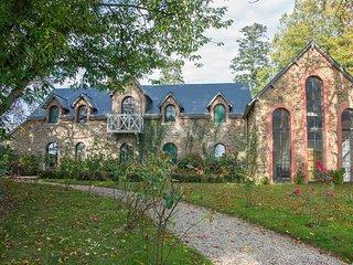 Château de la Basmaignée - Guest House - Ernee vacation rentals