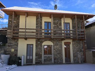 Beautiful House with A/C and Satellite Or Cable TV - Armeno vacation rentals
