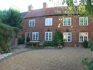 Charming 3 bedroom House in Ringstead - Ringstead vacation rentals