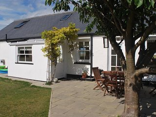 Bright 4 bedroom House in Salthouse - Salthouse vacation rentals