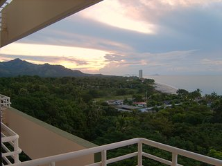 Beautiful views of the Pacific Ocean and a few minutes walk to the beach - Gorgona vacation rentals
