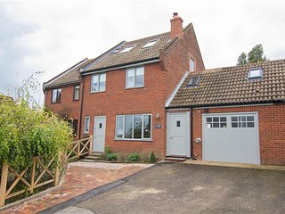 Lovely 4 bedroom House in Salthouse - Salthouse vacation rentals