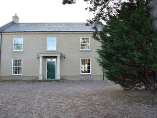 Bright 5 bedroom Vacation Rental in Wells-next-the-Sea - Wells-next-the-Sea vacation rentals