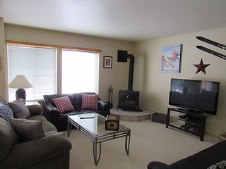 Beautifully furnished Aspen Village Condo with Wireless Internet - McCall vacation rentals