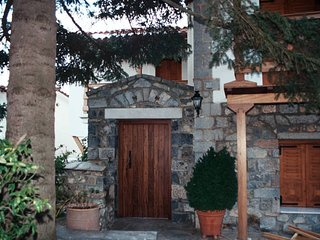Nice 3 bedroom Vytina House with Internet Access - Vytina vacation rentals