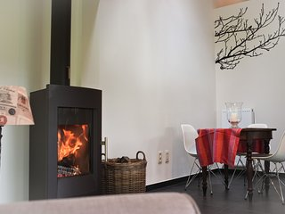 Charming 1 bedroom Holsbeek Guest house with Internet Access - Holsbeek vacation rentals