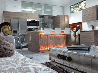 Casita de Ardillas: Stunning modern design - West Hollywood vacation rentals