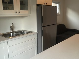 Beautiful Newly Renovated Beach Cottage - Port Stanley vacation rentals