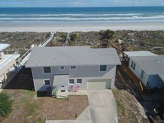 Dune Heights, Ocean Front, Sleeps 10, 4 Bedroom, WiFi, Flat Screens - Crescent Beach vacation rentals