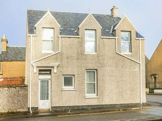 ST. DUTHUS HOUSE, traditional Victorian house, Sky TV, parking, in Stornoway, Ref 945987 - Stornoway vacation rentals