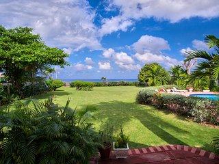 Sunspot Spot Villa - Charming 6 Bedroom Beach Front Villa Jamaica - Runaway Bay vacation rentals