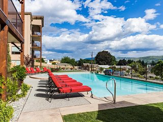 Beautiful lake and mountain views, gourmet kitchen, and shared pool and hot tub! - Manson vacation rentals