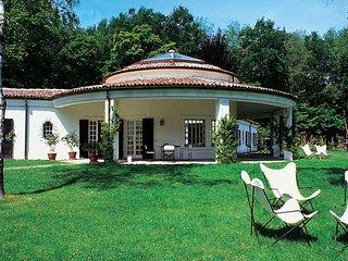 6 bedroom Villa in Dormelletto, Piedmont, Italy : ref 1719190 - Dormelletto vacation rentals