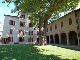 6 bedroom Villa in Cison Di Valmarino, Veneto, Italy : ref 1719448 - Cison Di Valmarino vacation rentals