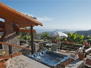 Holiday home with jacuzzi in Arucas - Chilanga vacation rentals