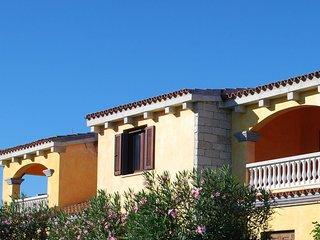 Comfortable 2 bedroom Condo in San Teodoro - San Teodoro vacation rentals