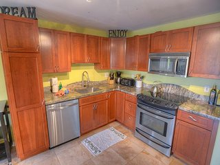 New to vacation rentals! Gorgeous renovated 2-bedroom 2-bathroom condo! - Kihei vacation rentals