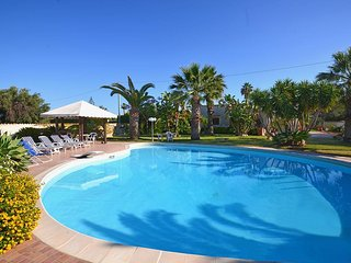 Cozy 3 bedroom Fontane Bianche House with Internet Access - Fontane Bianche vacation rentals