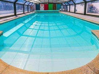 FUSCHIA COTTAGE, woodburning stove, private garden, pet-friendly, on-site facilities, Marhamchurch, Ref 942625 - Marhamchurch vacation rentals