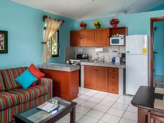 BEAUTIFUL CASA, WALK TO BEACH & TOWN, AC, POOL, BIKES, BEACH CHAIRS & MORE! - Puerto Morelos vacation rentals