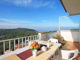 Spacious apartment with stunning sea views in Cala Montgó - L'Escala vacation rentals
