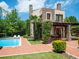 """Villa KYMO"" at OLYMPUS VILLAS - Paralia Panteleimonos vacation rentals"