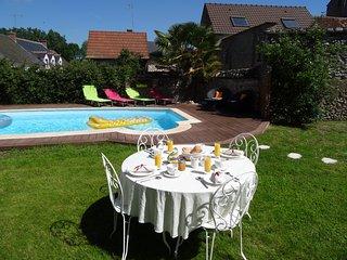 Le Clos Elisa - B&B  - Maison familiale du XVIème - proche Chambord - Saint-Laurent-Nouan vacation rentals