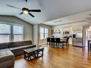 3 BR Beach House in Asbury Park! 6 blocks to ocean - Asbury Park vacation rentals