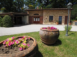 Romantic cottage Glicine - Castel San Gimignano vacation rentals