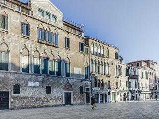 Attico 2 min da S. Marco: Biennale & free wifi - Venice vacation rentals