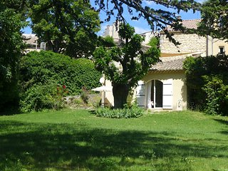 Nice House with Internet Access and Washing Machine - Saint-Restitut vacation rentals