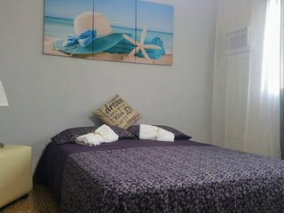 A few steps away from the Ocean Breeze in Vedado, Havana, Cuba - Havana vacation rentals