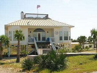 Gorgeous 3 bedroom Saint George Island House with Deck - Saint George Island vacation rentals