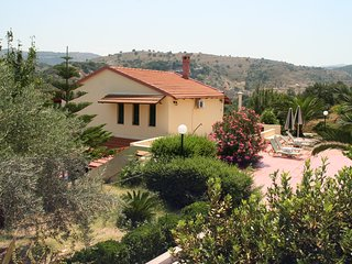 Villa STRATOS - In the top 10 villas in Crete - Relax - Enjoy the views - POOL - Kaloniktis vacation rentals