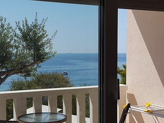 Luxury beach apartment Ivan Dolac-Hvar - Ivan Dolac vacation rentals