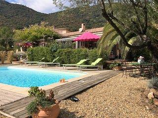 """Villa """"les ilets de l'eau blanche""""  (l'Aloé) - Cavalaire-Sur-Mer vacation rentals"""