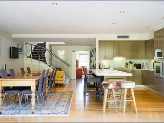 Stunning House - Close to City - Rozelle vacation rentals