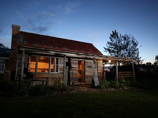 Historic Pioneers Hut in the prestigious Boorolite Valley - Mansfield vacation rentals