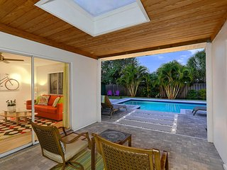 Tulip House - 1 mile to Siesta Key - Sarasota vacation rentals