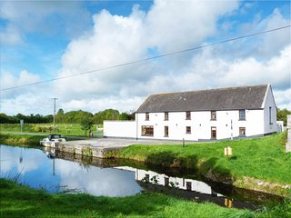 Ballycommon, Grand Canal, County Offaly - 15942 - Tullamore vacation rentals