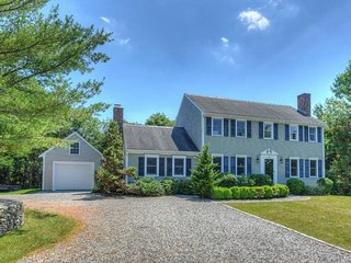 BEAUTIFUL Four Bedroom w/ Barnstable BEACH PASS! 132697 - West Barnstable vacation rentals