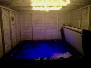 Wee L♥dge with Private hot tub - Drymen vacation rentals