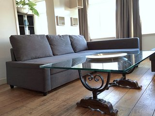 Red Light Residence, 3 bedrooms - Amsterdam vacation rentals
