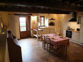 """Appartamento Nord dell'Agritrismo """"Il Vecchio Borgo"""" - Castellarano vacation rentals"""