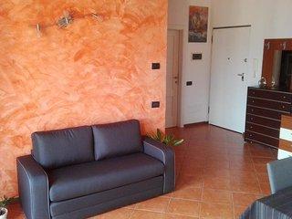Ca Brentonico. Appartamento con vista montagna, 2 balconi, parcheggi gratis - Brentonico vacation rentals