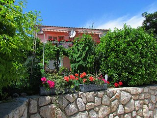 Apartment >>BURA<<, by the beach, 1 bedroom, 3 persons max - Cres vacation rentals