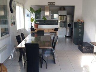 Beau duplex 120 m² très confortable, vue mer, 2 chambres, jardin, terrasses - Palavas-les-Flots vacation rentals