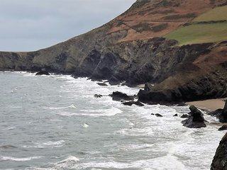 Bright Condo with Internet Access and Satellite Or Cable TV - Llangrannog vacation rentals