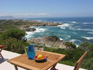 Cliff House... mountains and sea - Betty's Bay vacation rentals